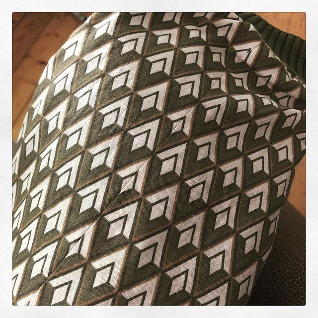 #pattern #matching #love #makedoandmend #sleeve #lining #menswear #vintage #shinebrightlikeadiamond