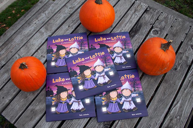 clavis_publishing_picture_books_chidren_books_literature_kidlit_toddler_books_halloween_9781605374116_luke_and_lottie_its_halloween_ruth_wielockx_001.jpg