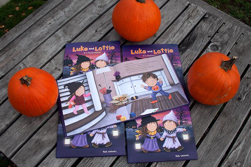 clavis_publishing_picture_books_chidren_books_literature_kidlit_toddler_books_halloween_9781605374116_luke_and_lottie_its_halloween_ruth_wielockx_002.jpg