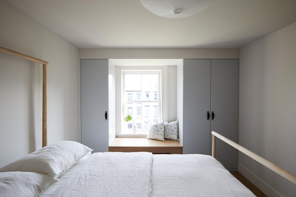 v. Kids Bedroom Slope_Townhouse_Bedrooms_3rd_Floor_018.jpg