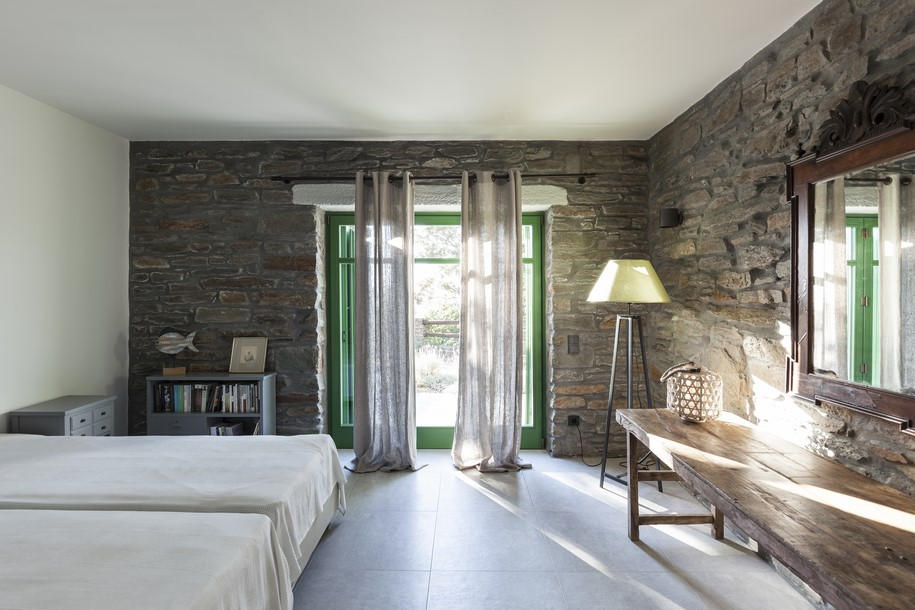 Stone walls are a typical characteristic of greek islands houses.