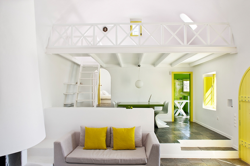 Apart from blue, yellow is a suitable color for a greek style interior.