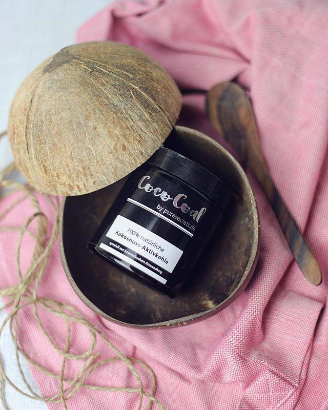 100% natürliches Coco Coal Pulver aus Kokosschalen. Mit Coco Coal könnt Ihr Eure Zähne auf natürliche Weise bleachen ohne Euren Körper zu schädigen!