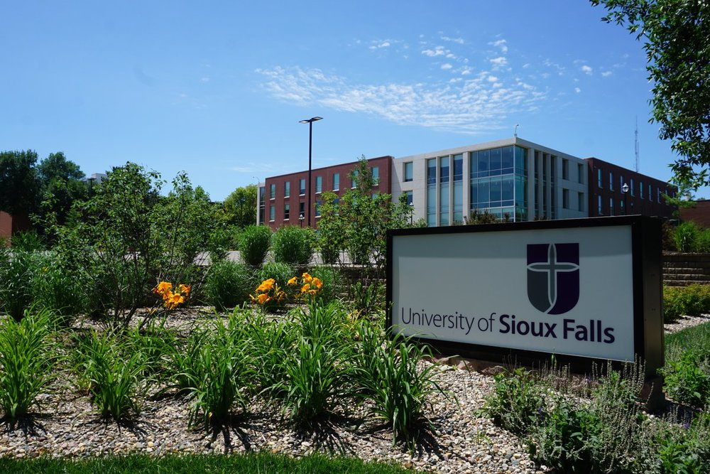 UNIVERSITY OF SIOUX FALLS    Leadership|Career Coaching