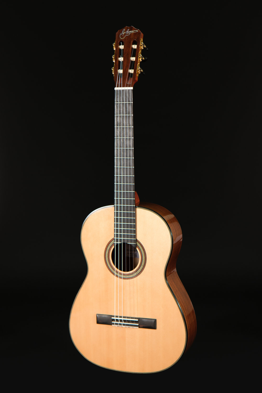 Classical Guitar Spruce Walnut
