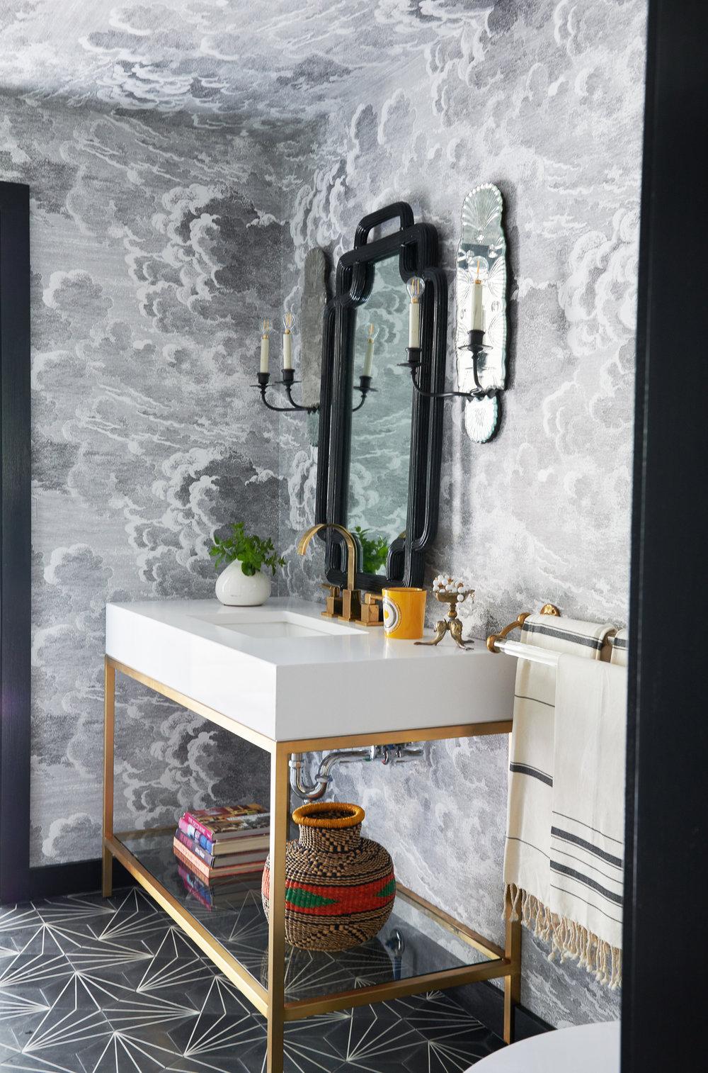 Lyon-Field-design-interior-design-powder-room-wallpaper-©Jane Beiles-18084604.jpg