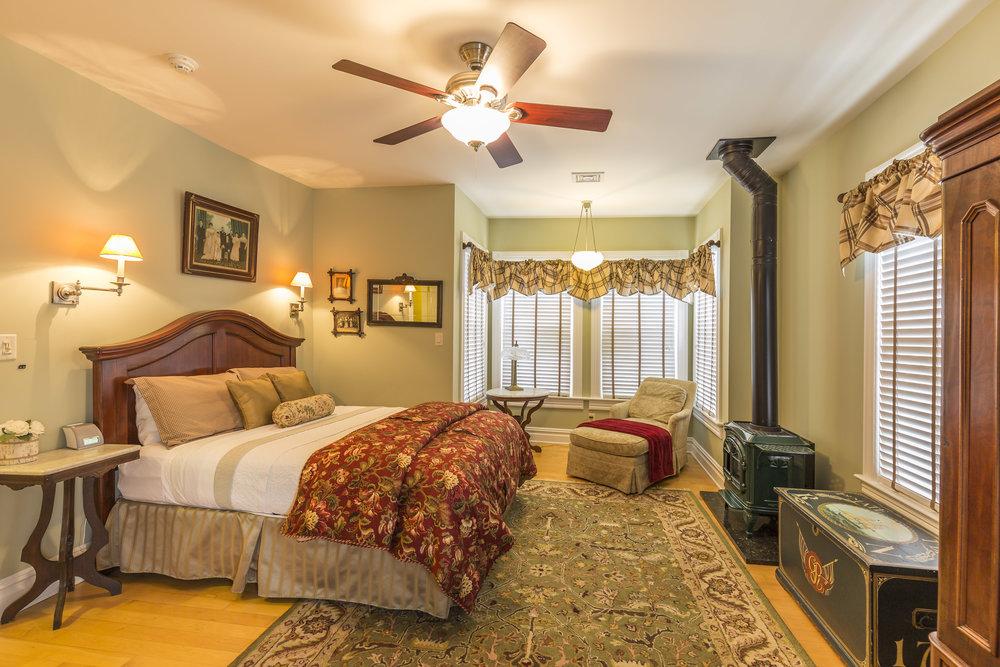 Warren guest room.jpg
