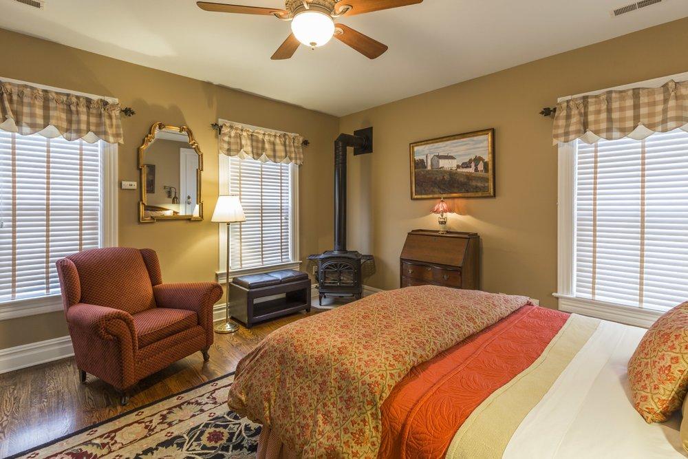 Hunterdon guest room.jpg