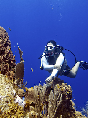 cayuco-reef-divers-regular-dives-300x400.png