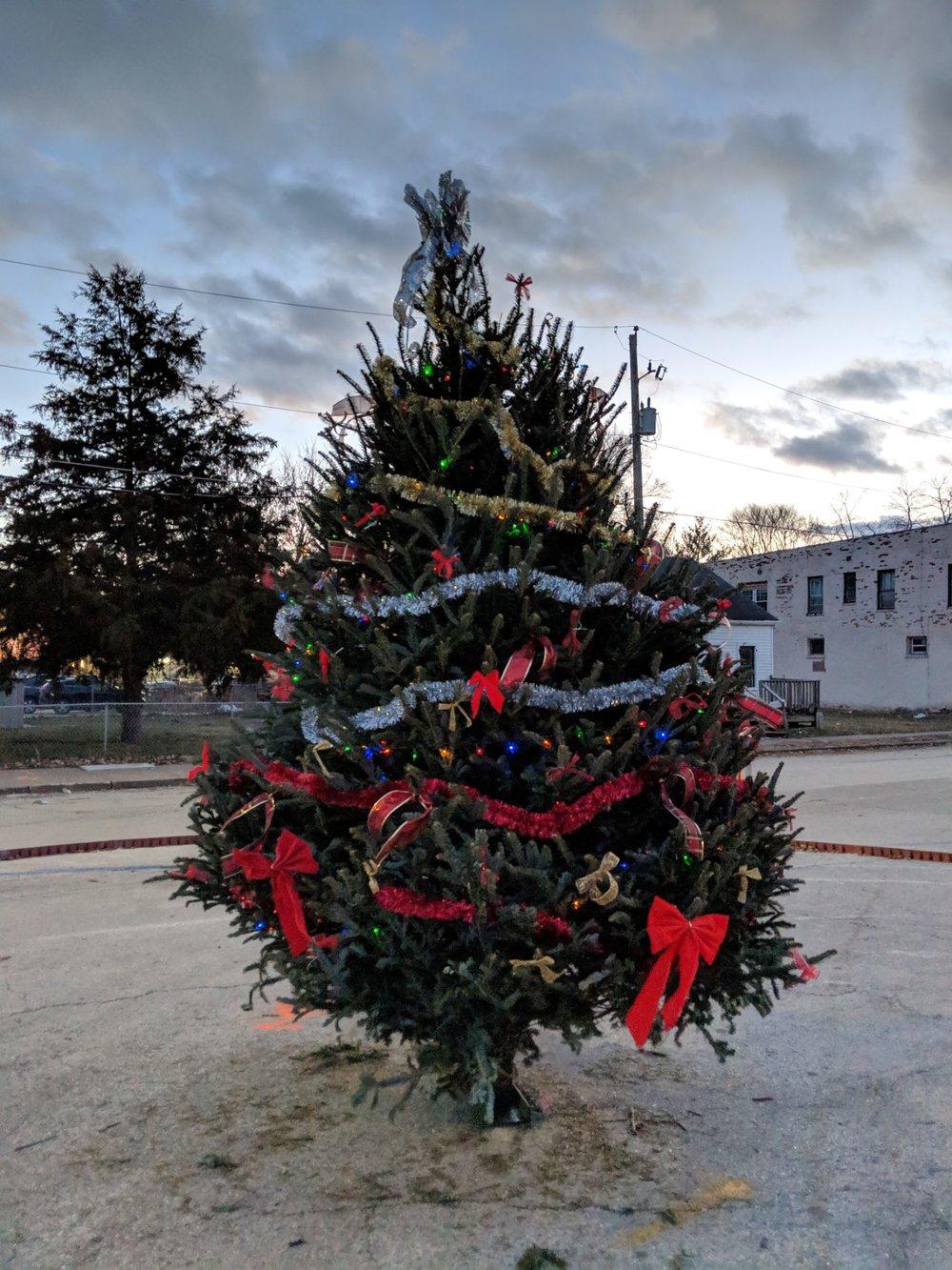 Christmas Circle Tree.png