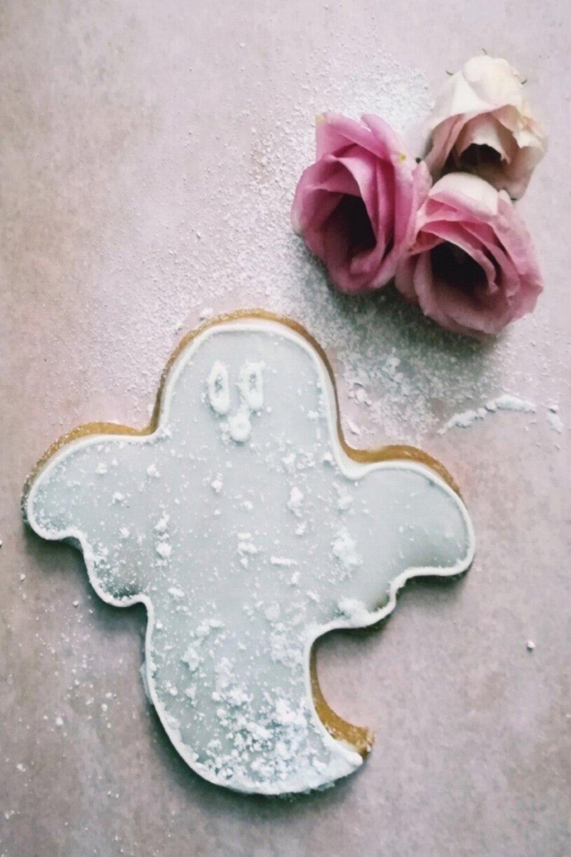 ... shortbread ghost cookies ... #recipe
