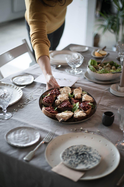 table setting | @aslowgathering