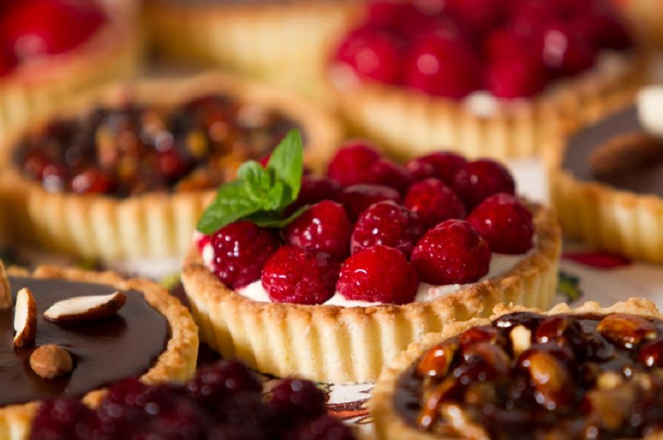raspberry tart.jpg