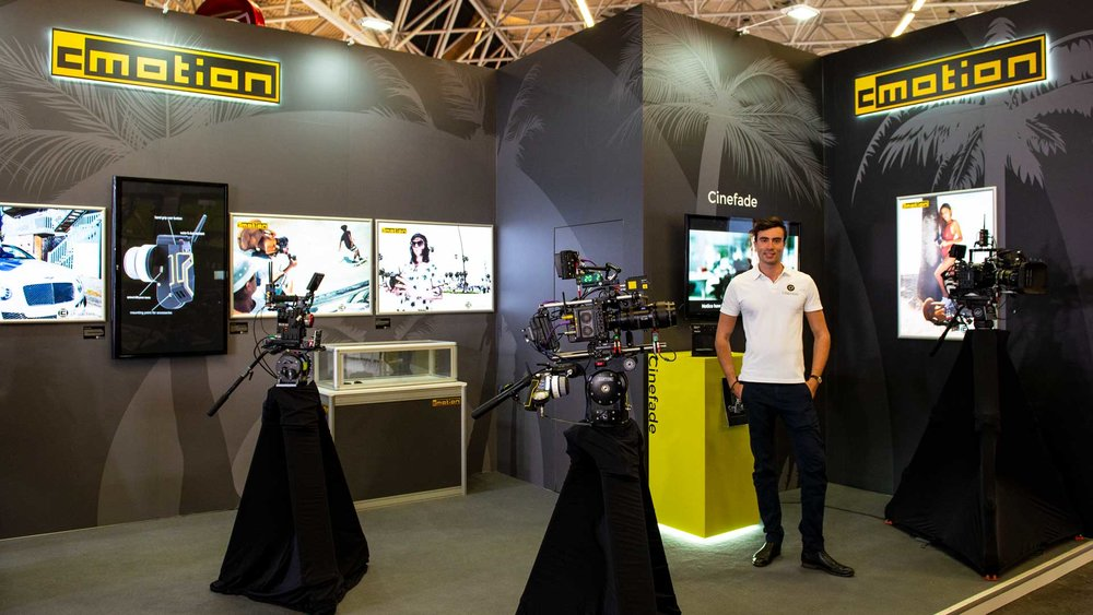 Cinefade Founder Oliver Janesh Christiansen on the cmotion stand at IBC 2018 showing the Cinefade system