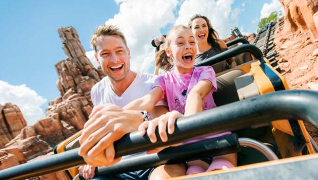 Disney-World-Family-Vacation.jpg