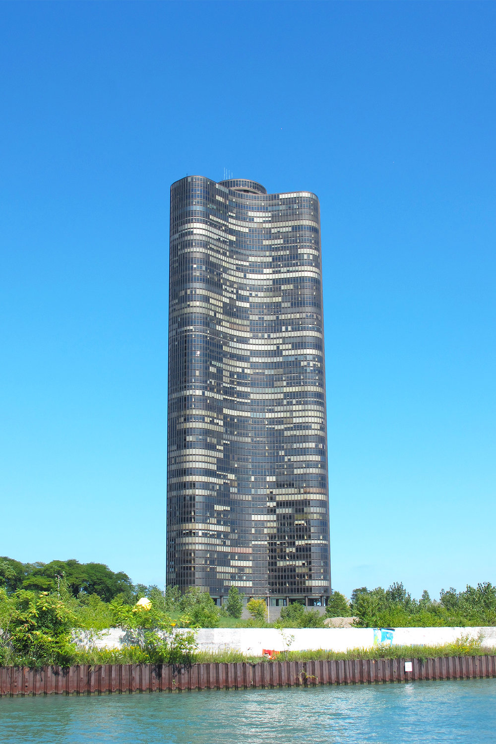 Lake Point Tower, 1968, Architects: John Heinrich and George Schipporeit, students of Mies van der Rohe