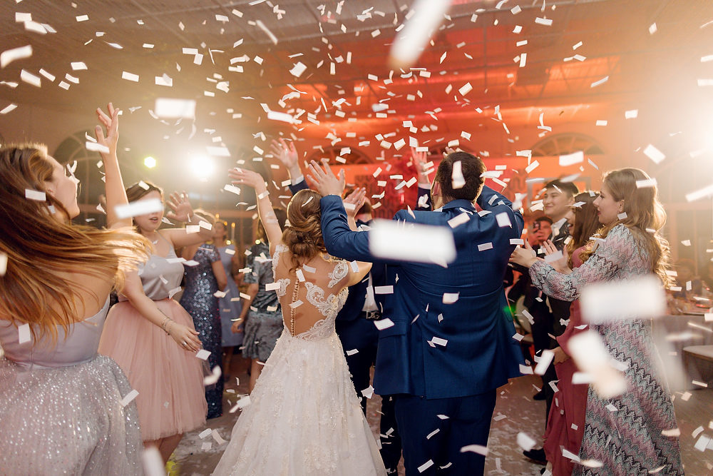 wedding_confetti.JPG