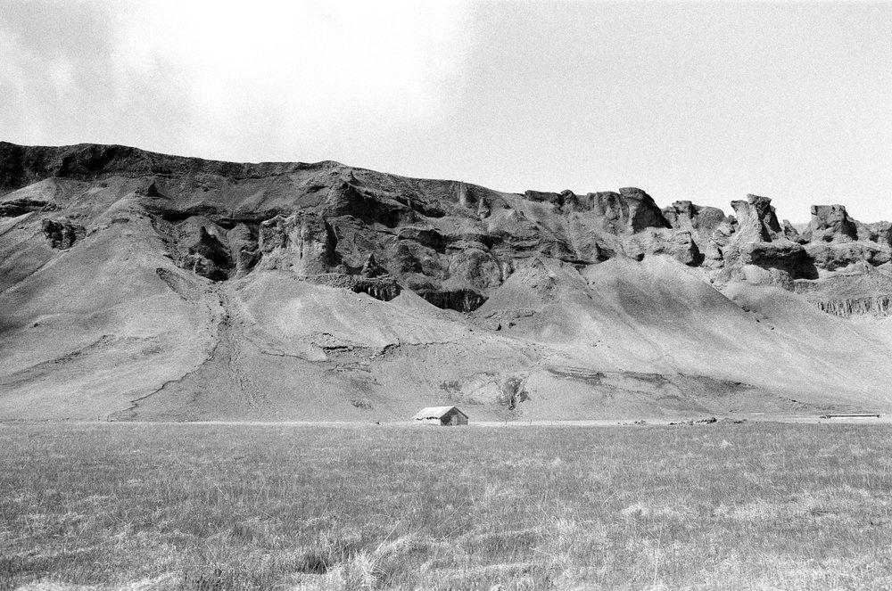 House-Mountain-Iceland.jpg