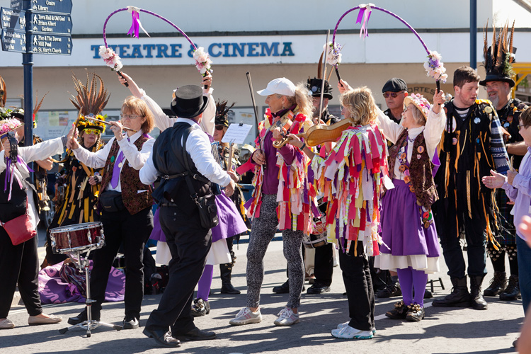 folkfestsep1544750.jpg