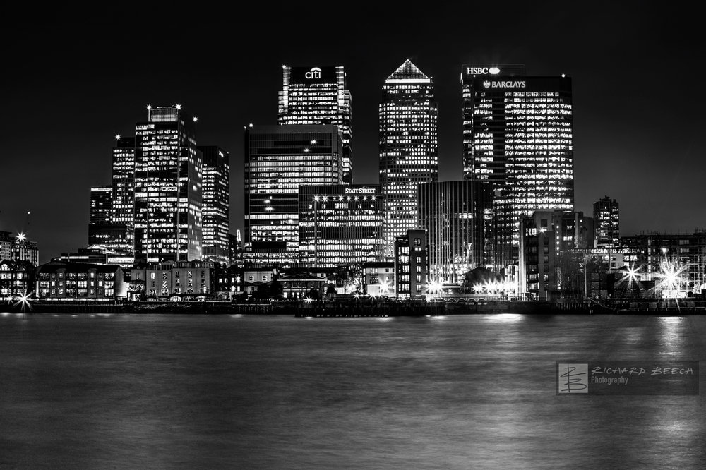 Canary Wharf Night B&W