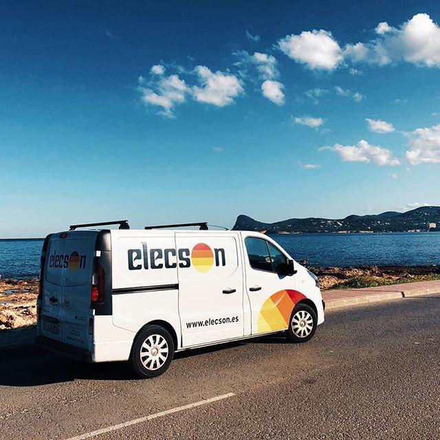 Esta temporada de verano también hemos estado presentes en la isla por excelencia de la música, IBIZA. Hemos estado proporcionando sonido en varias fiestas privadas y realizando instalaciones en locales de la isla blanca.  #elecsonontour #ibiza #elecson #elecsonibiza #elecsonlleida #prosound