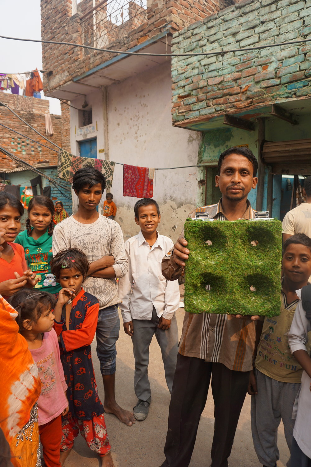 Photo by Gina Ciancone. Used with permission from the Gazipur community of Delhi, India.
