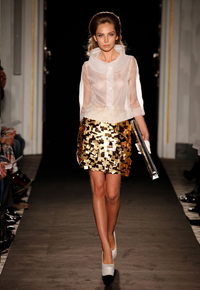 'Gold square' skirt in organza with paillettes and crystals Jacket in organza
