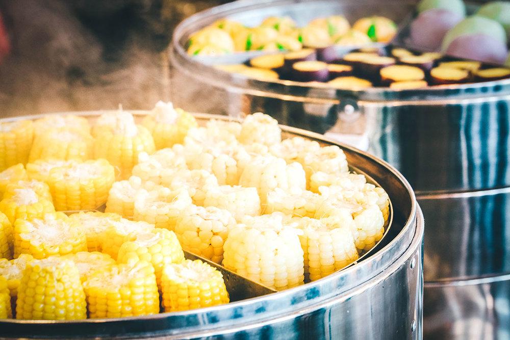 Thực phẩm nguồn gốc nông sản - Menu buffet được dựa trên nguồn nguyên liệu chính là nông sản thực phẩm và đặc sản Đà Lạt. Do đó, khách hàng có thể an tâm thưởng thức cùng gia đình và người thân.