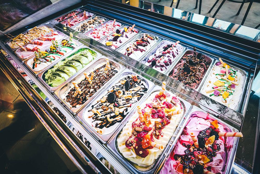 Ăn uống thoả thích, không lo về giá - Với giá vé buffet cố định, khách hàng có thể thoả thích thưởng thức bên gia đình và người thân mà không cần phải lo lắng về bất kỳ chi phí phát sinh nào.