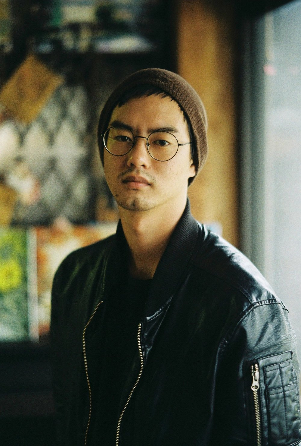 KIM Dong-Bin - Has produced and directed both TV documentaries and feature length documentaries along with music videos and commercial films. He has worked on marketing campaigns and is currently the managing partner and producer at Sonamu Film. Member of Directors Guild of Korea.