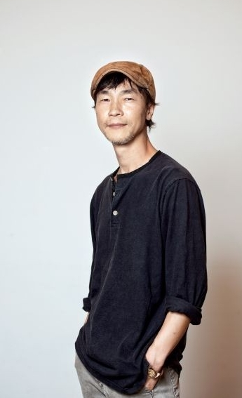 MOON Chang-Yong - With over 20 years of documentary filmmaking experience, he has directed more than 100 television documentary programs. He is the CEO and the director at Sonamu Film. Member of Korea Independent Producers Association.