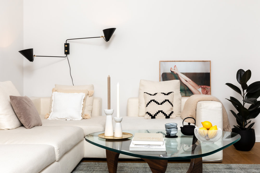 Decorating your home is hard. And it's usually the little things, like wall art, rugs, and accessories that cause the biggest pain. - Spoak helps you figure out what your space needs, and then finds it for you. Directly from global artisans and small businesses.Get a taste of our suggestions ⟶