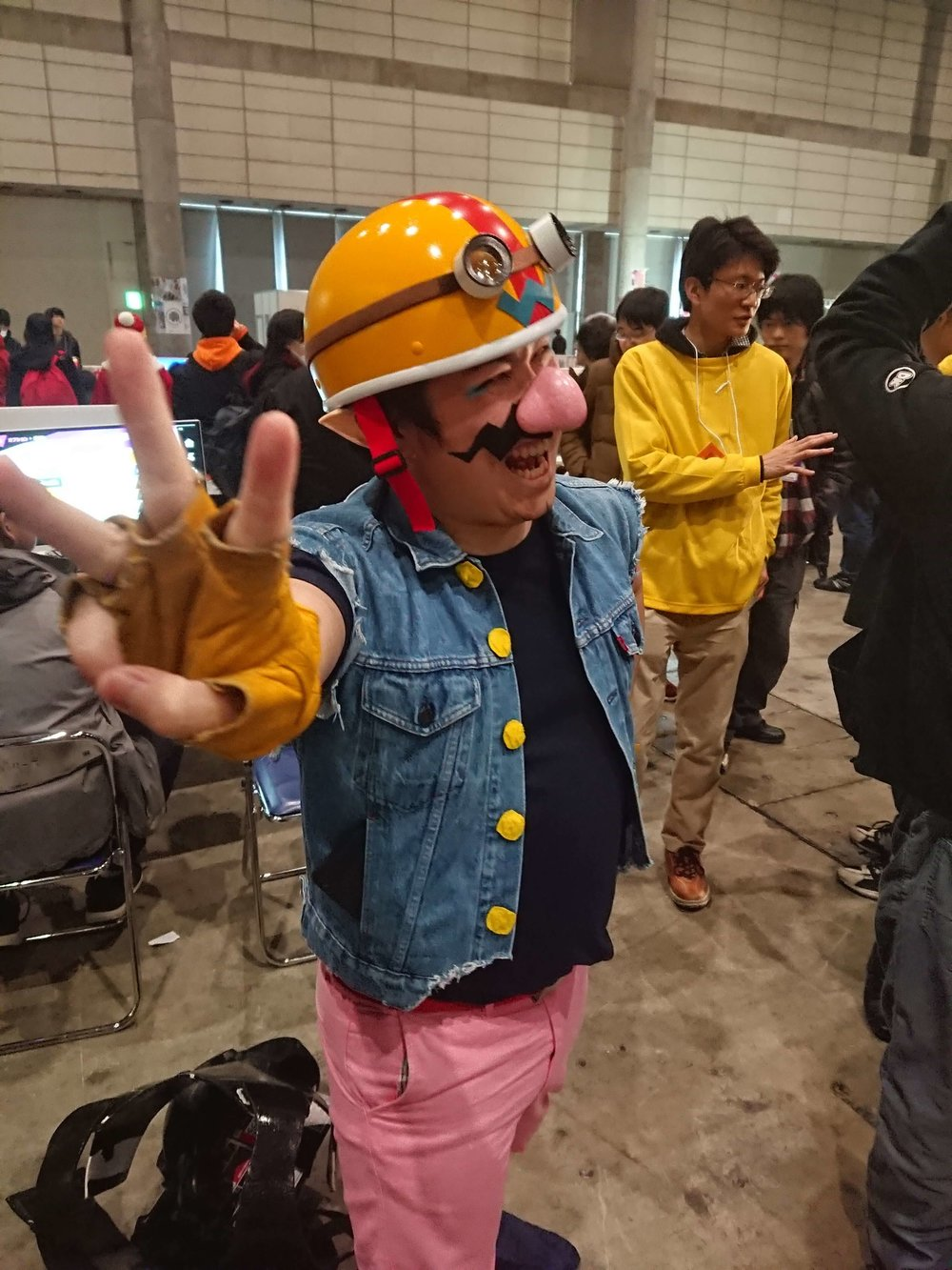 Awesome Wario Cosplayer in Between Smash Games