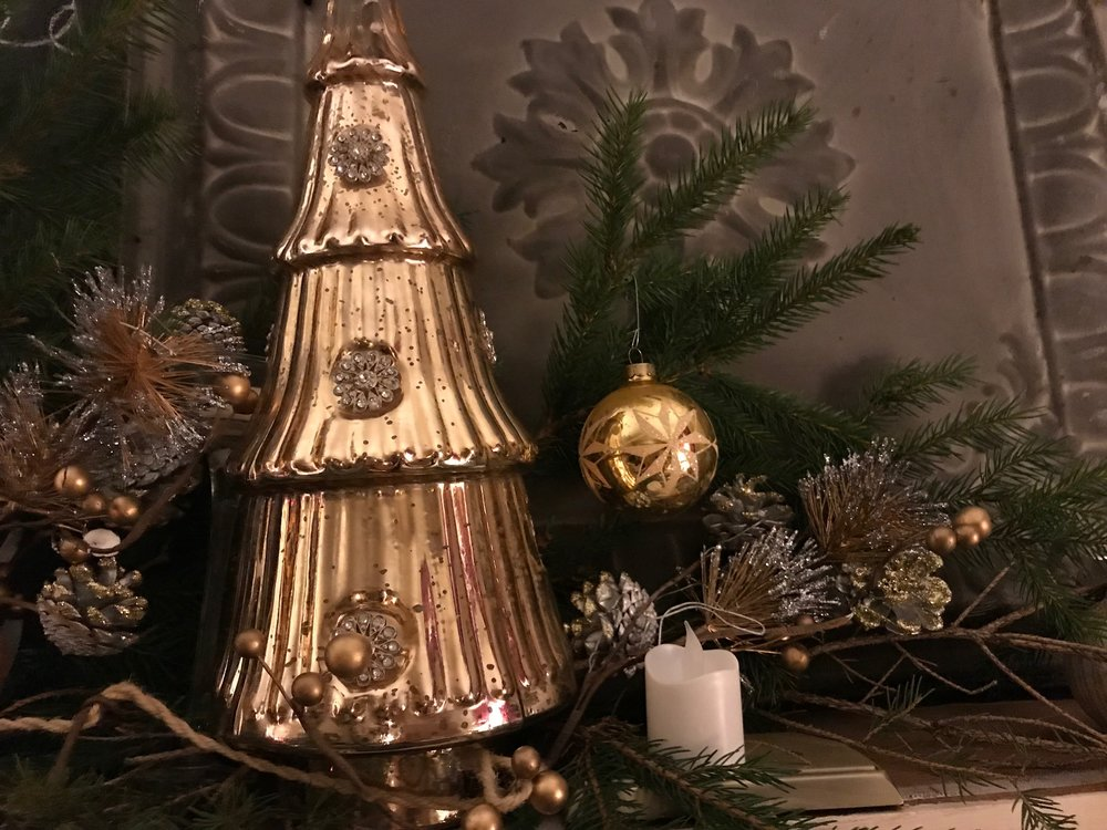 christmas mantel 13.jpg