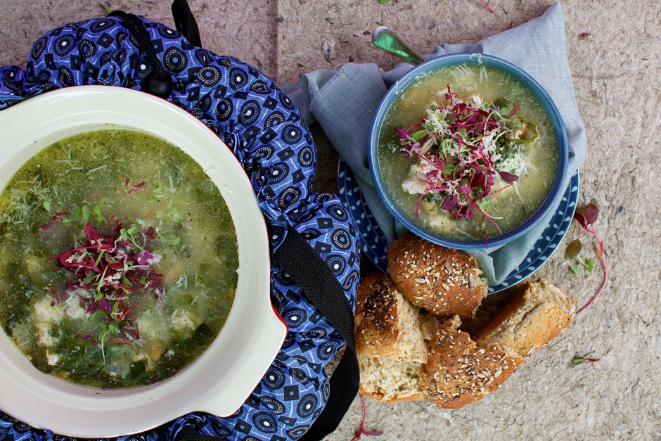 SERVES 4 - Turkey Kale Soup