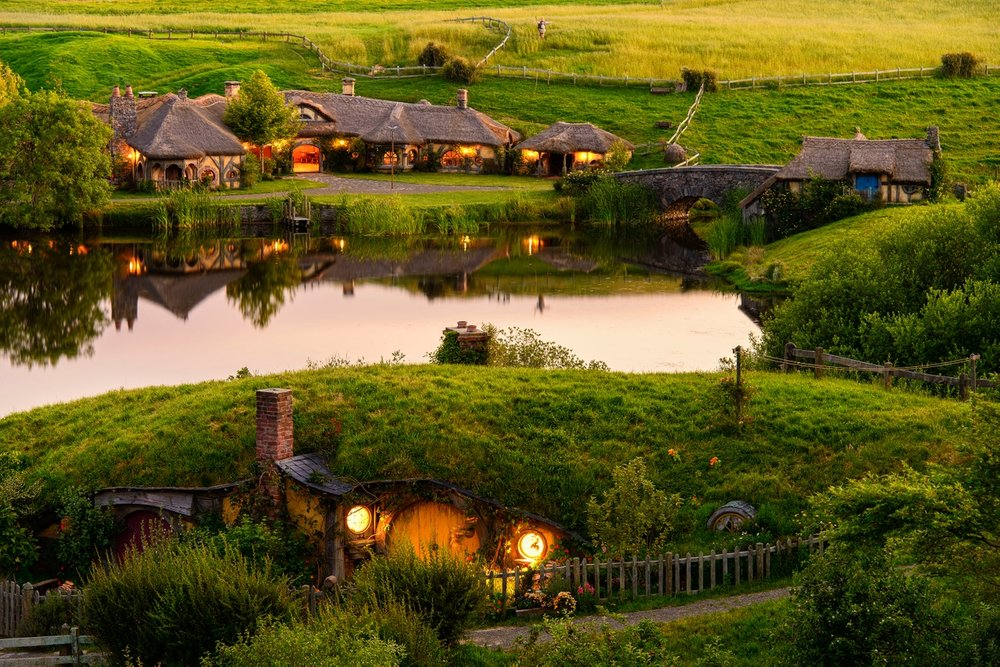Hobbiton-Movie-Set.jpg