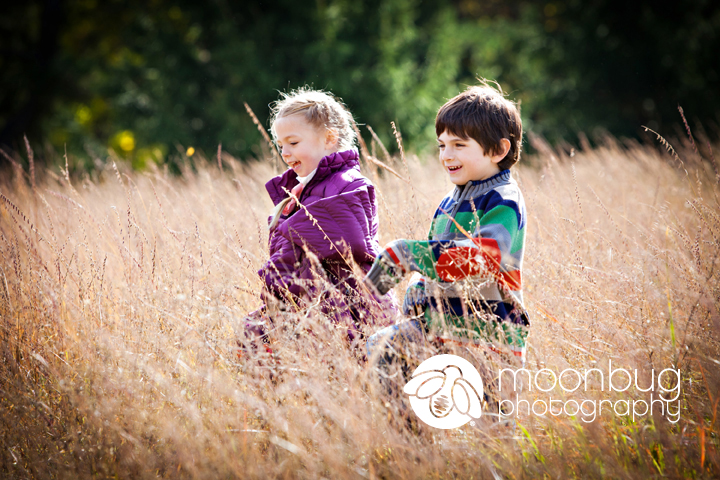Family Photographer, Moonbug Photography at Holliday Park in Indianapolis #siblings
