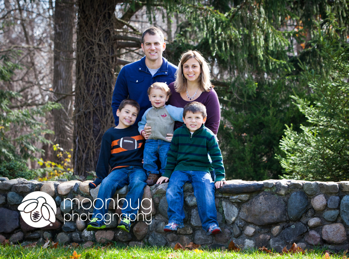 Family Photographer, Moonbug Photography at Holliday Park in Indianapolis