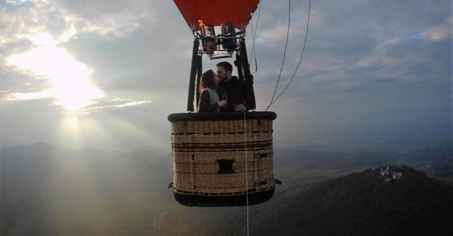 hot_air_balloon_romantic_flight_864.jpg