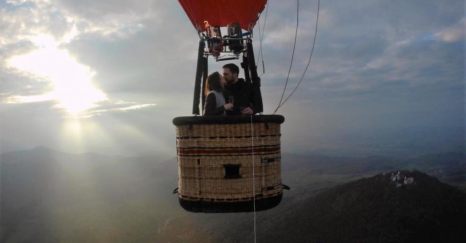 hot_air_balloon_romantic_flight_864.jpg