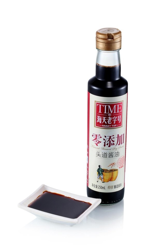 "Chinese soy sauce brand advertising for ""0 additives"". Photo: Sina"