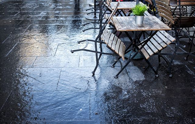 There we were thinking spring had arrived and al fresco lunches were on the cards....we were wrong!  http://bit.ly/RainyAlfresco  #alfresco #alfrescodining #rain #rainydays #wheredidspringgo #spring