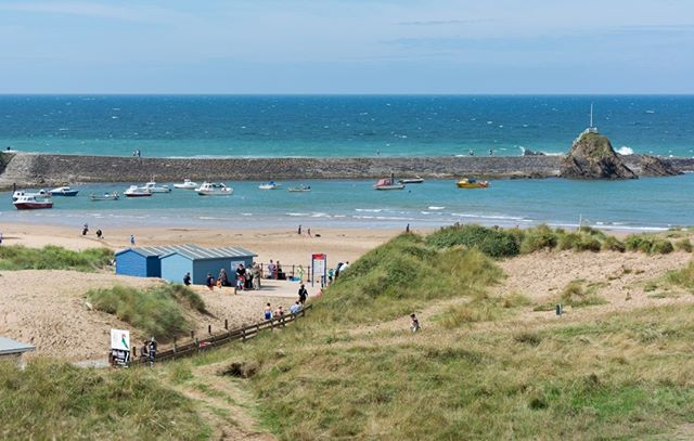 Famous for its pastel painted beach huts, crazy golf and wide sandy beaches, Bude is a popular UK holiday destination. Have you been?  http://bit.ly/BudeUK  #Bude #UK #holiday #seaside #seasideholiday #englishcountryside #theoutdoors #countrysidewalk #walkinguk #walkingholidays #hikinguk #walkingtour #theoutdoors #countryair #peaceandquiet #natureatitsfinest #freedomtotravel #hikingtour #getoutdoorsmore #ukwalks #ukwalking #ukphotographer #countrysidephotography #capturingbritain #theemeraldisle #walkingtheworld #walkingaroundtheworld #hikinglifestyle #hiking_daily