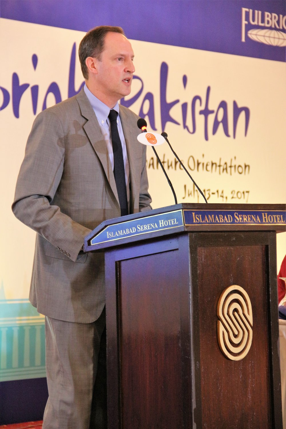 U.S. Embassy Chargé d'Affaires Jonathan Pratt congratulated Pakistani students and scholars on receiving the prestigious Fulbright scholarship.
