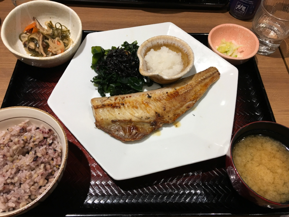 Seasonal dishes are also offered. This grilled blue grenadier (Hoki) fillet is an autumn special.