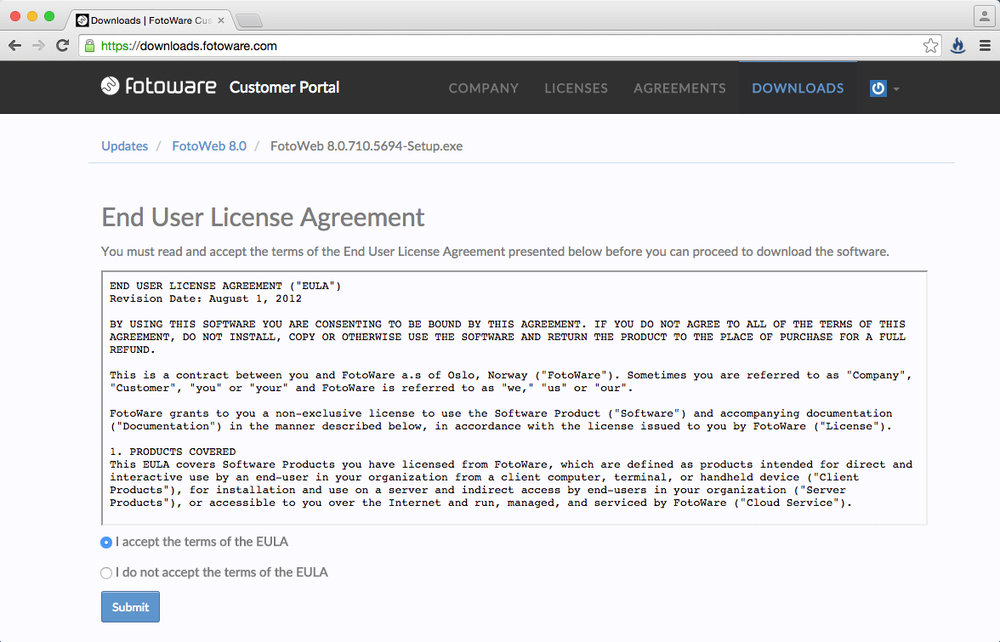 """Nach dem Klick auf """"Download"""", bestätigen Sie bitte das """"End User License Agreement"""" und klicken auf """"Submit""""."""