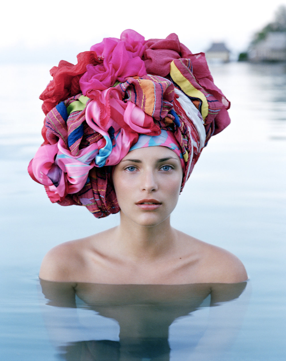 HEADSCARF ARRANGEMENT BY MARTYN FOSS CALDER
