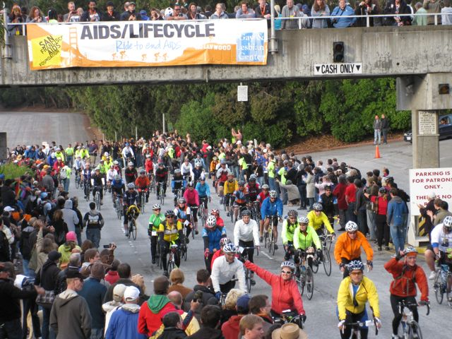 hundreds of people on bikes