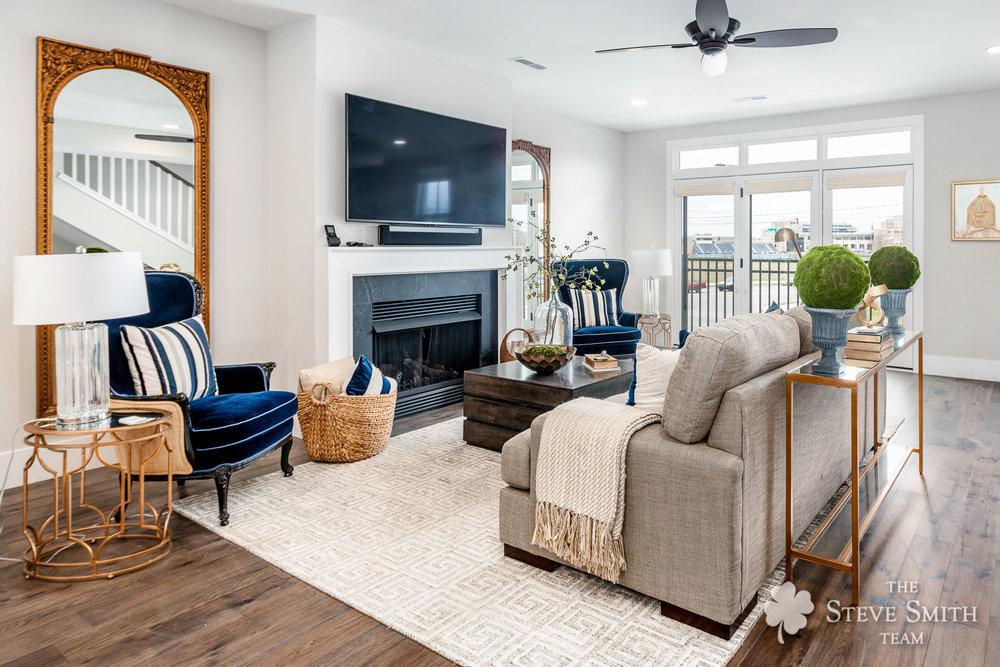 4 Living Room 3.jpg