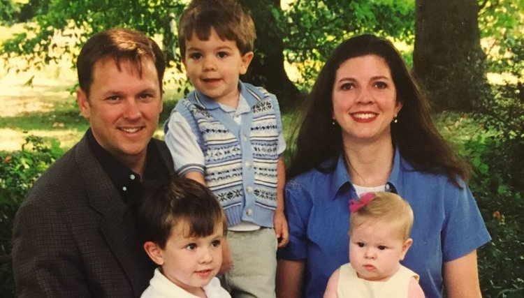 Betsy, her husband, and her 3 young children in ~year 2000